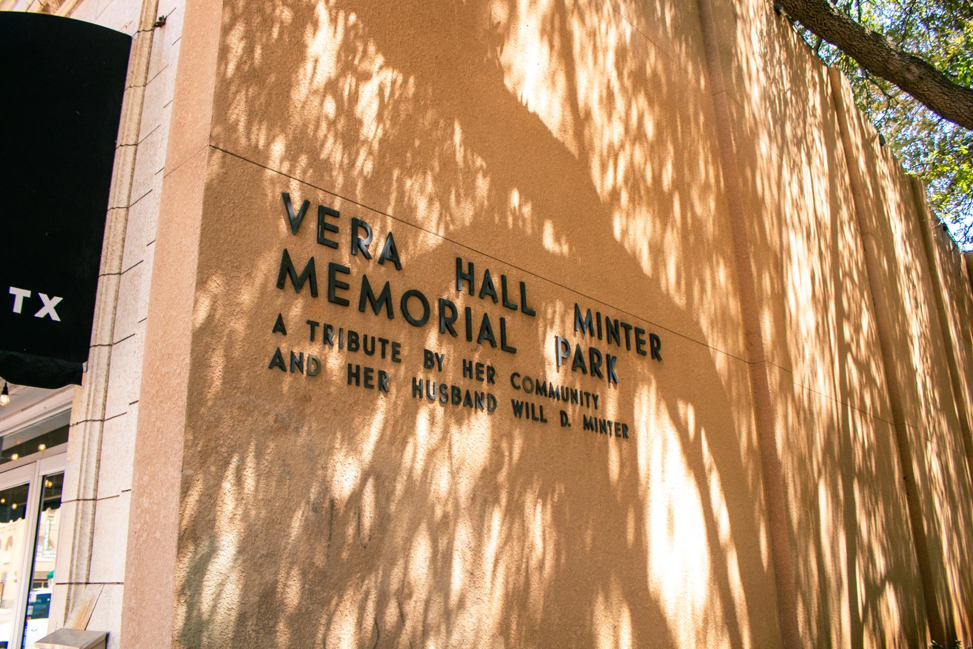Note on the Side of the Park Building Memorializing Vera and Will Minter